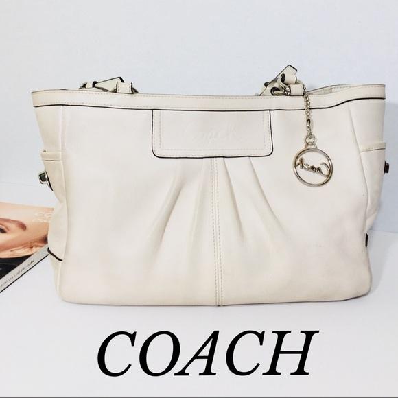 cafd2e05df5 COACH Bags   Cream Genuine Leather Handbag   Poshmark